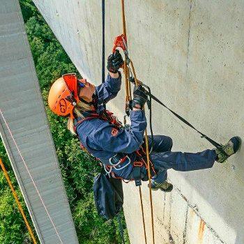 SPIDER ALPIN efectueaza lucrari de alpinsm utilitar la Cluj.